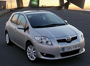 fiche technique toyota auris i 126 d4d autoweb france. Black Bedroom Furniture Sets. Home Design Ideas
